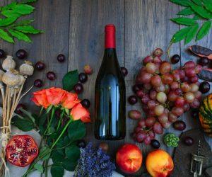 apples-berries-bottle-1407857